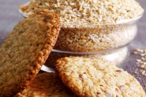 OAT FLAKE BISCUITS WITHOUT MILK AND EGGS